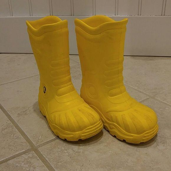 1000  ideas about Yellow Rain Boots on Pinterest | Yellow wellies