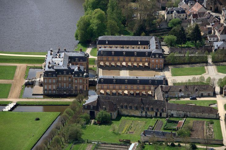 The Château de Dampierre, Dampierre-en-Yvelines, in the Vallée de Chevreuse, France.