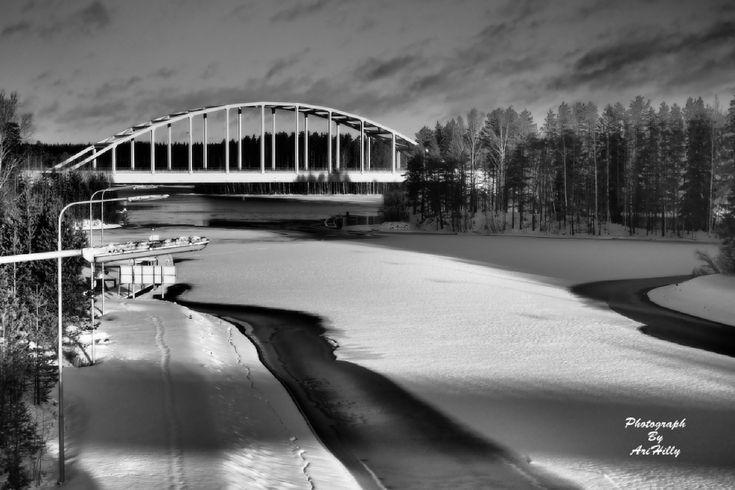Photo taken with E-M5MarkII Canon EF 28-200mm f/3.5-5.6 or Tamron Lens - Random - YouPic