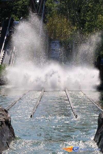 7/10 | Photo de l'attraction Menhir Express située au @ParcAsterix (France). Plus d'information sur notre site www.e-coasters.com !! Tous les meilleurs Parcs d'Attractions sur un seul site web !!