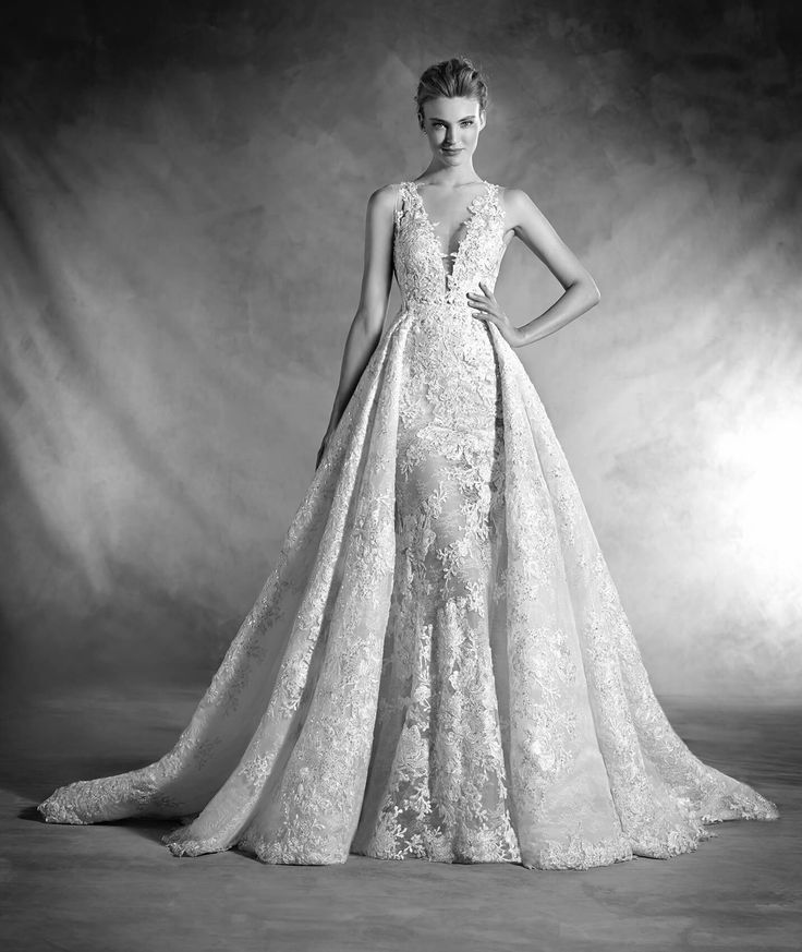 Dream Long Tank V Neck Lace Appliqued Pronovias NILAY Wedding Gown with Fancy Overskirt 2017