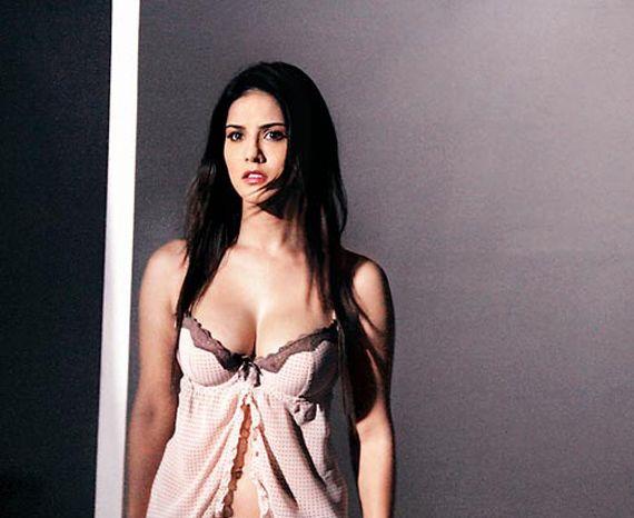 Teaser of Sunny Leone starrer Ragini MMS 2 released | News | Bollywood | Fundoofun.com
