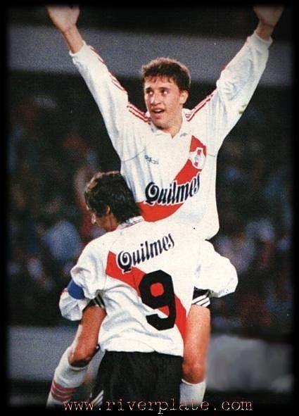 Hernan Crespo y Enzo Francescoli.