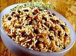 Costa Rica Gallo Pinto Recipe w/ Salsa Lizano (fied rice with red beans)