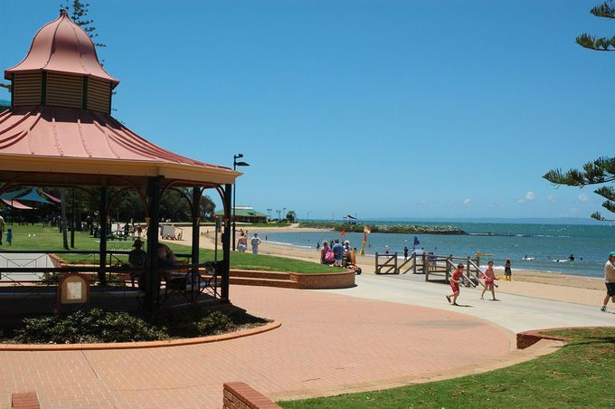 Suttons Beach Redcliffe