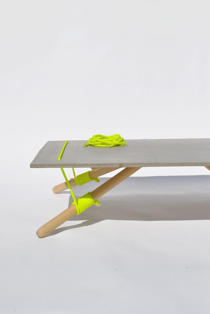 Line Up Table by Florian Schulz and Konstantinos Pamporis