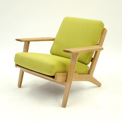 arguably denmarks most famous designer hans wegner worked as an assistant to erik mller and arne jacobsen until this is gorgeous plank chair