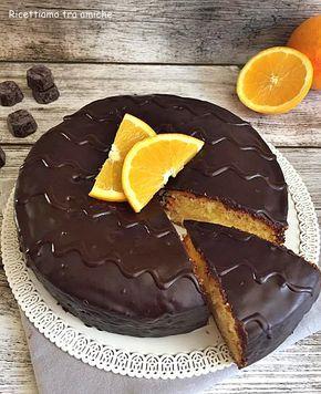 Torta fiesta ispirata alle famose merendine, deliziosa e cremosa farcita con una golosa crema all'arancia e ricoperta da uno strato di cioccolato.