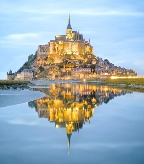 Mont Saint Michel - I've been there and the street vendor food is SO GOOD #normandy #france