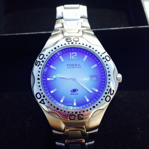 Fossil Accessories - Mens Fossil Blue Watch 1Fossil Accessories - Mens Fossil Blue Watch 2Fossil Accessories - Mens Fossil Blue Watch 3Fossil Accessories - Mens Fossil Blue Watch 4  Mens Fossil Blue Watch Authentic Mens Fossil Blue Watch. Needs new battery. Model # AM-3520... Great Watch