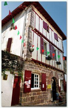 17 best images about chemins de compostelle on pinterest bretagne sons and de paris - Saint jean pied de port albergues ...