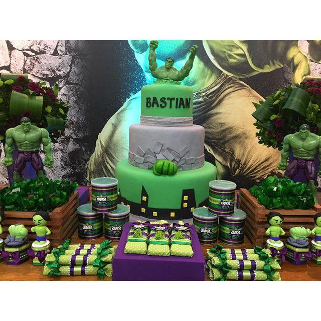 Festa Hulk para Bastian! Decoração e Personalizados: @corujiceventos Espaço, Buffet e equipe: ...