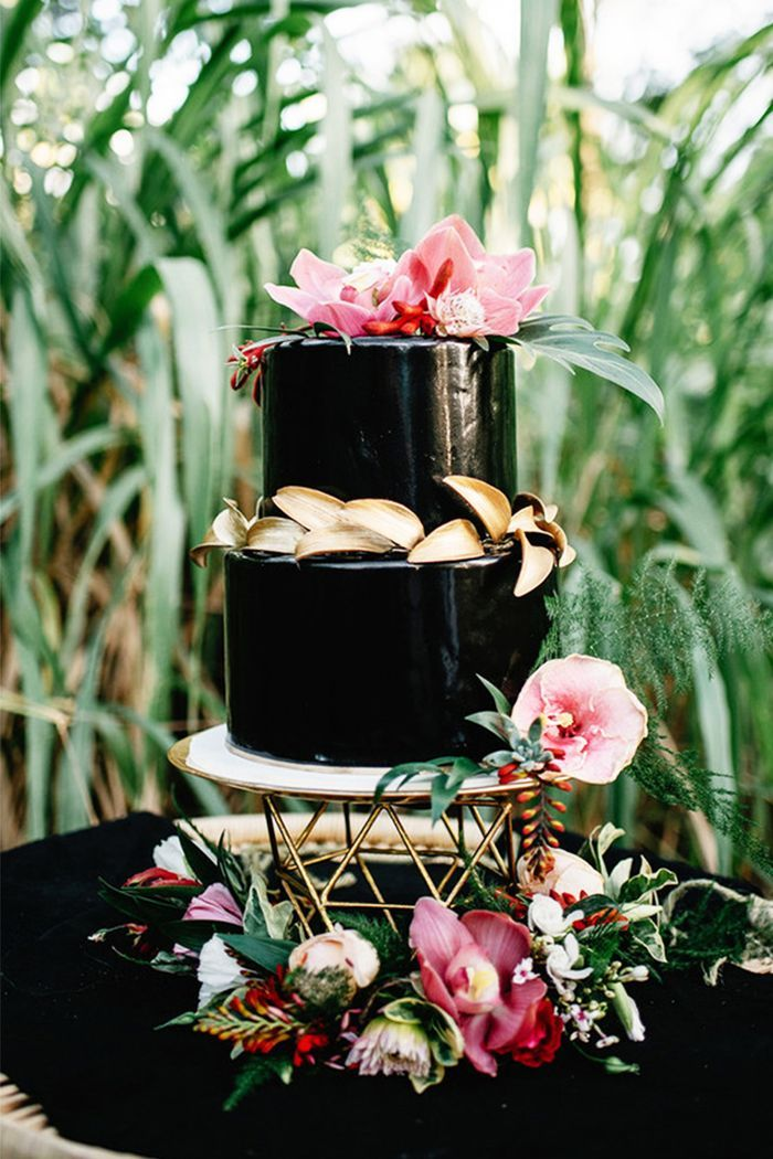 Have your cake and eat it too. We've rounded up 15 gorgeous wedding cake ideas to make your celebration even sweeter.