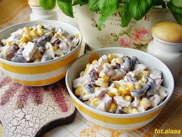 Ala piecze i gotuje: Sałatka z wędzonym kurczakiem i kiełkami mung