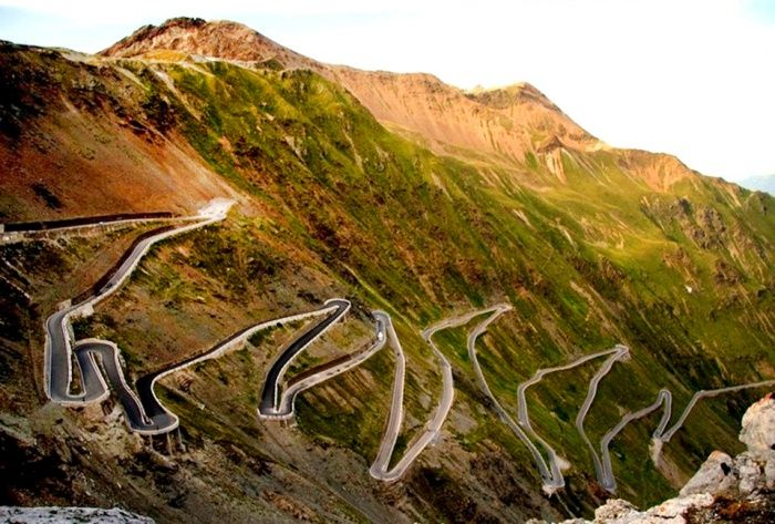 Stelvio Pass, Eastern Alps, Italy | Fascinating ...