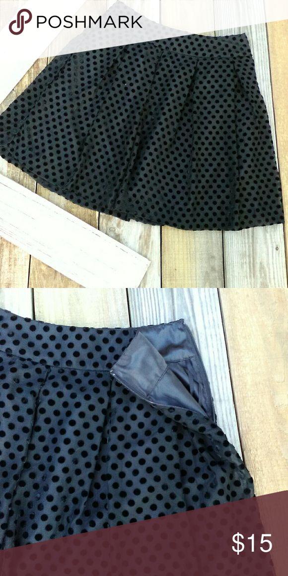 Skater skirt Velvet polka dots. Very cute. Uniqlo Skirts Circle & Skater