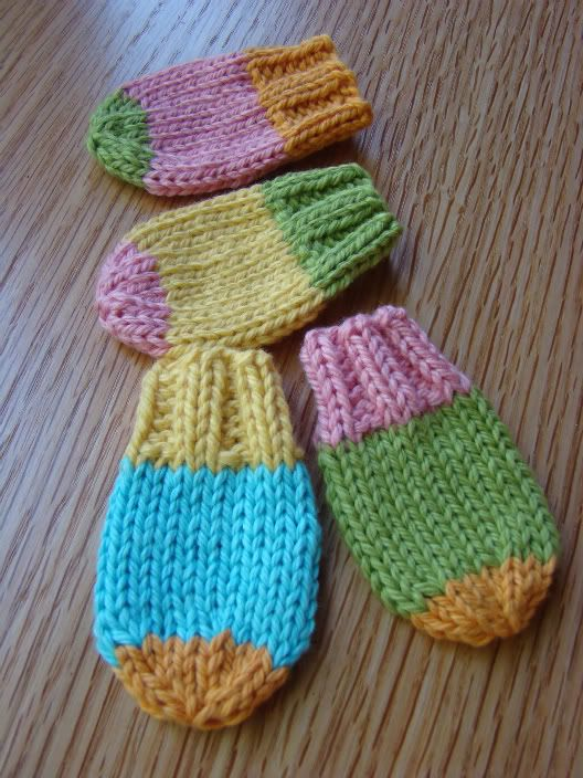 baby knit mitts - I started making a few of these before Christmas. Very easy and quick.
