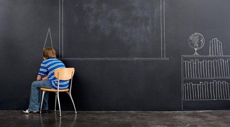 L'école française est-elle nulle? Dégringolade au classement PISA, grève des instits et des profs de classe prépa... Le malaise est palpable autour de l'éducation en France. Pour l'analyser, francetv info a interrogé Peter Gumbel, journaliste britannique, auteur de deux livres sur l'école française.