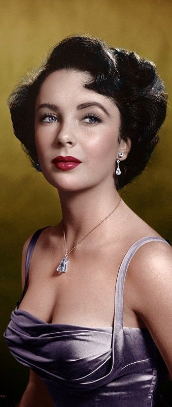 """Elizabeth Taylor posed on the front cover of """"Time"""" magazine,1948.KNown for her extraordinary beauty and violet eyes~"""