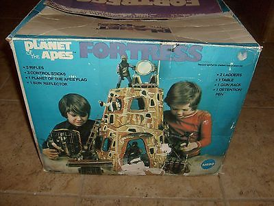RARE MEGO PLANET OF THE APES  VINTAGE FORTRESS PLAYSET W/ BOX COMPLETE POTA