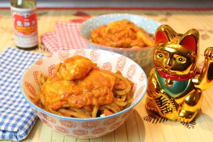 Low Carb Rezepte von Happy Carb: Tomatiges Lachs-Curry mit Rettich-Goreng.
