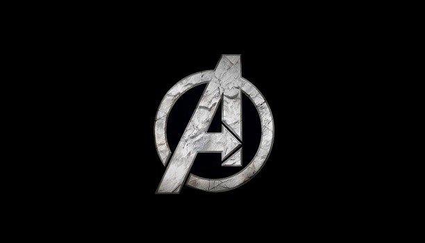 VENGADORES REUNÍOS! Así empezamos la noticia que os traemos hoy de manos de Marvel Square Enix y Crystal Dynamics y es que Iron Man Hulk Thor Ojo de Halcón Capitán América y los demás se vuelven unir para una nueva cita en el mundo de los videojuegos.  Square Enix acaba de anunciar su colaboración con Marvel para desarrollarvideojuegos de las franquicias de Marvel empezando por uno de Los Vengadores del que sabremos más durante 2018 y del que nos han dejado un teaser tráiler de una mujer…