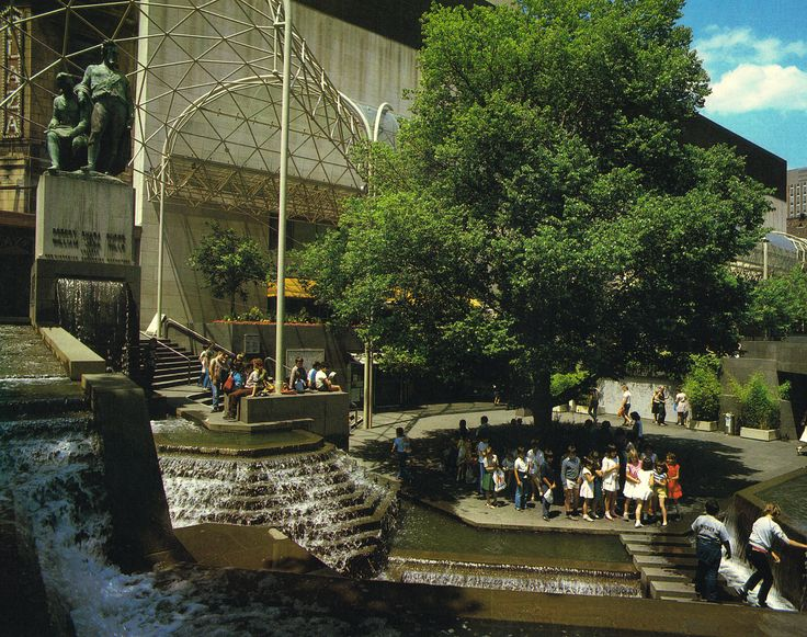 You had to love Melbourne in the 80s - with a water feature to celebrate Burke and Wills and the Harold Holt Memorial Swimming Pool.   I guess this feature is gone now. What a shame.   See more of Melbourne in 1984 by clicking on the image