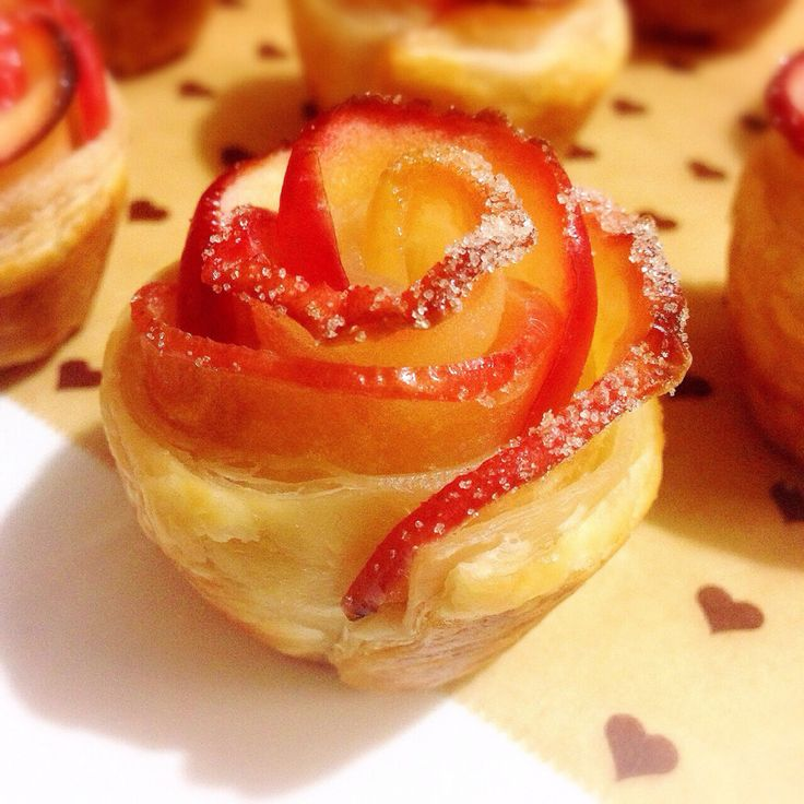 Mini apple rose tarts | Hello Sunshine