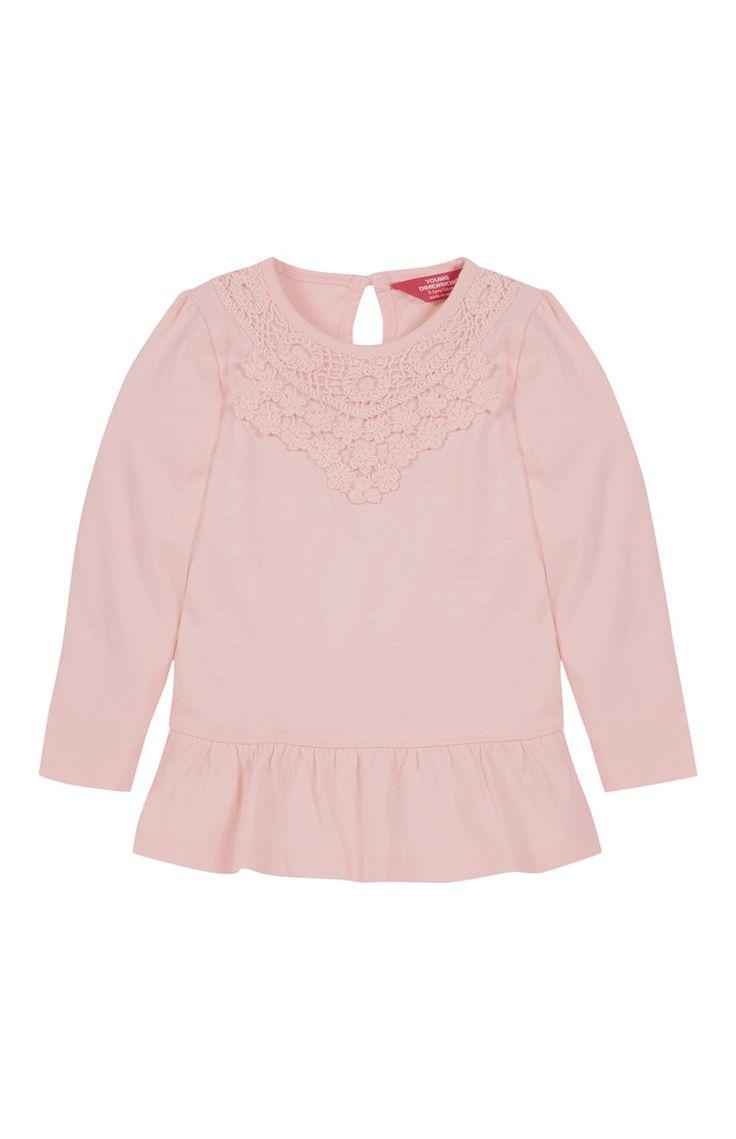 Primark - Roze shirt met schootje en haakwerk