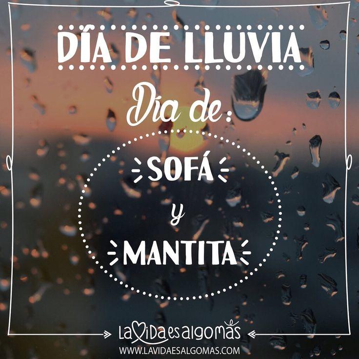 ¡¡¡Días lluviosos = días de sofá y mantita...!!!☔️ #lavidaesalgomas #lluvia #sofa #manta #diadequedarseencasita!!!!