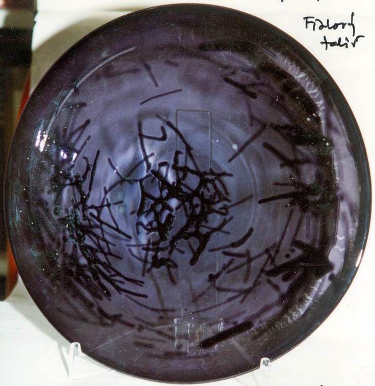 Lubomir Blecha, decorative glass disk, 1963, D: 31,0 cm, Pattern Id: 6328, UUR Prague, glassworks Skrdlovice, Czechoslovakia