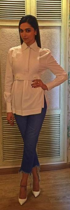 Tamsha ️ ️ ️ | Deepika padukone style, White top and jeans ...