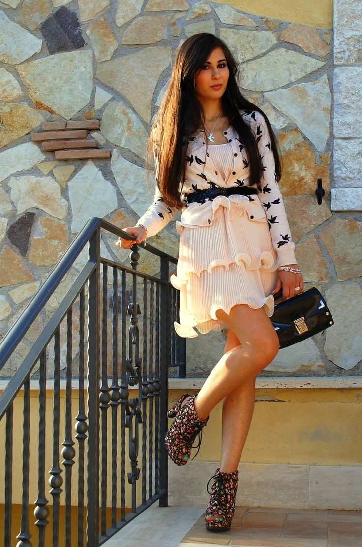 """♥ this look on whatiwear.com by VERONICA_MICIA """"DOLL WITH SWALLOWS"""" http://www.whatiwear.com/look/detail/150386"""