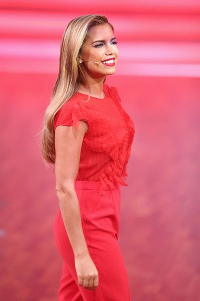 Sylvie Meis Photos - TV host Sylvie Meis speaks during the 3rd show of the television competition 'Let's Dance' on April 1, 2016 in Cologne, Germany. - 'Let's Dance' 3rd Show