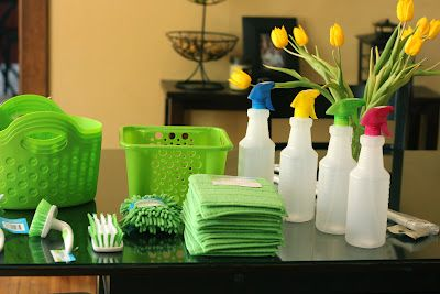 Under The Kitchen Sink Organization with supplies from the dollar store.  What a difference!   #organize #cheap: Kitchens Supplies, Dreams Kitchens, Organizations Ideas, Dollar Stores, Cleaners Recipe, Under Kitchens Sinks, Kitchens Sinks Organizations, Kitchen Sinks, Glasses Cleaners