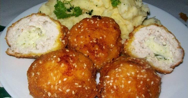 Mennyei Kijevi csirkegolyó recept! A boltinál sokkal finomabb. Érdemes kipróbálni.