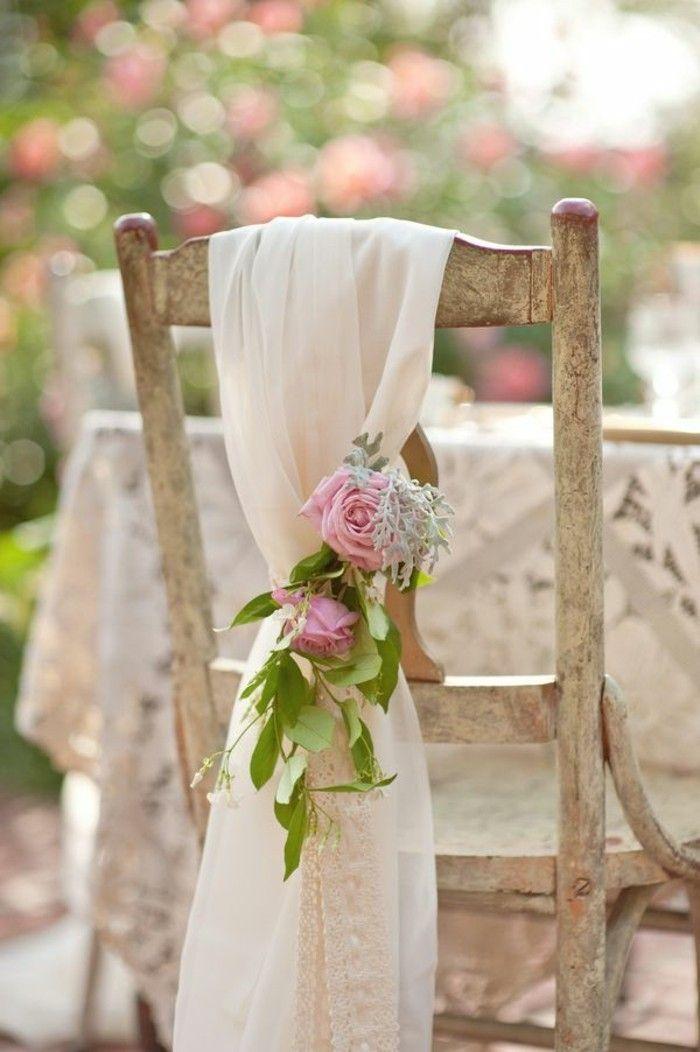mariage shabby chic decoration chaises en bois ruban en voile roses