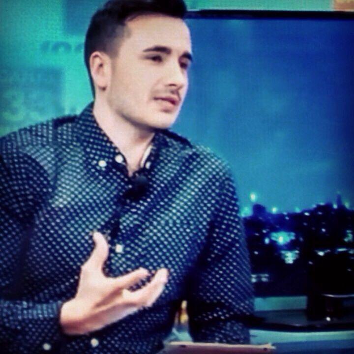 Victor Nieto colaborador en TV y Radio este sábado día 25 Presentara la #8feriasociativaCJA en Alcobendas y este año vestirá con nuestra firma.  ee exclusive #Shop ww.eeexclusive.com