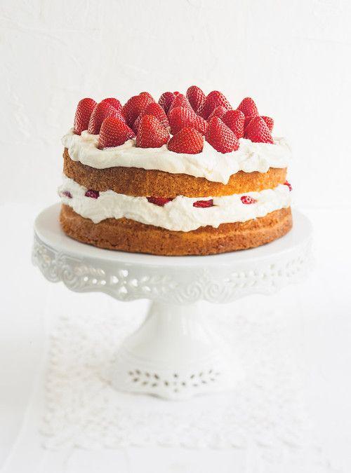 Strawberry Shortcake (the ultimate) Recipes | Ricardo-sponge cake minimal eggs