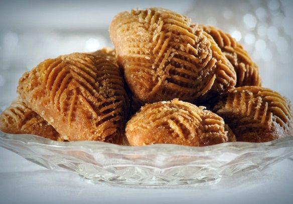 Υλικά 1 φλ. έ.π. ελαιόλαδο 1 φλ. ηλιέλαιο ½ κ.γ. αλάτι 1 φλ. του καφέ κονιάκ 1 φλ. νερό 4 κ.σ. λευκή ζάχαρη, κρυσταλλική 5 φλ. ...
