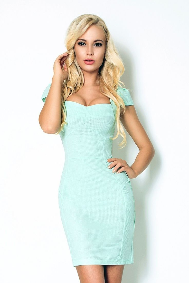 118-6 Miętowa sukienka z ładnym dekoltem - gruba lacosta #modadamska #sukienkikoktajlowe #sukienkiletnie #sukienka #suknia #sukienkiwieczorowe #sukienkinawesele #allettantepl