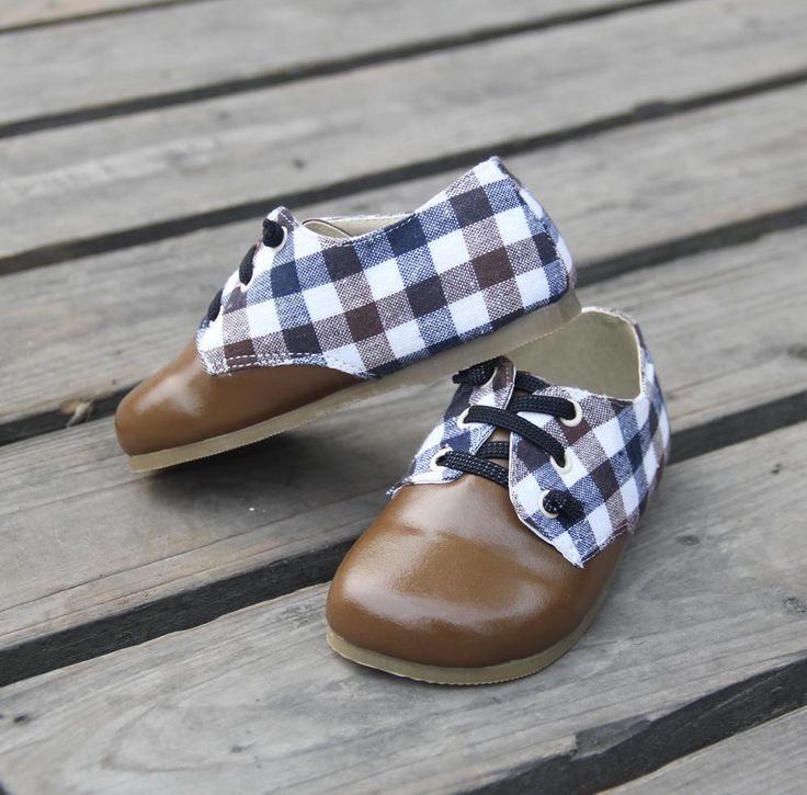 """Boys+light+brown+lace+up+shoes+with+checkered+decoration.  +-+Casual+or+dressy.  +-+Light+rubber+sole.  +-+Sizes+  +++Toddler:  +++8+1/2+(+6""""+++++++or+15.2+cm+)  +++9+1/2+(+6+1/4""""+or+15.9+cm+)  +10+1/2+(+6+5/8""""+or+16.8+cm+)  +11+++++++(+6+3/4""""+or+17.2+cm+)  +12+++++++(+7+1/8""""+or+18.1+cm+)  +Littl..."""