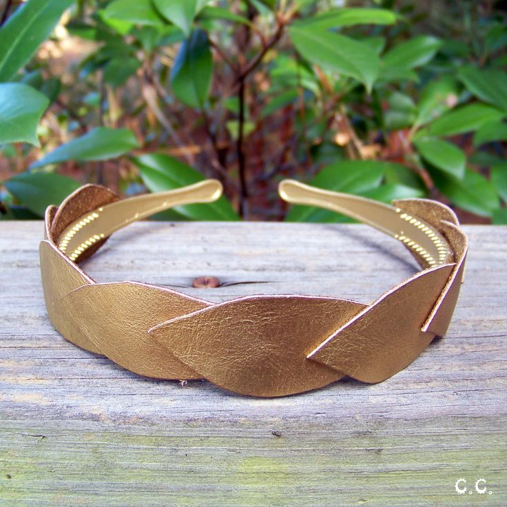 DIY: gold leaf headband.want to do this with my scrap brown leather