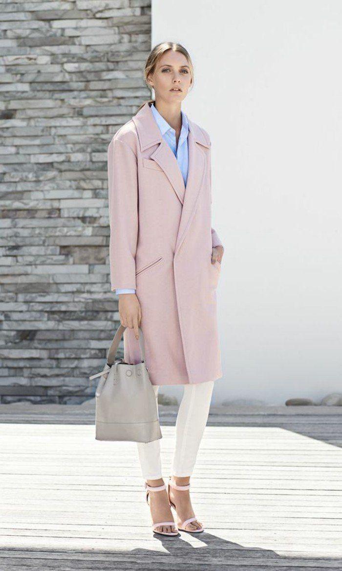 comment porter le rose pâle pantalon elegant sandales a talons rose chemise bleu femme