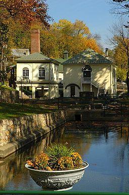 Berkeley Springs, WV. Old Roman Bath House, public spring water pumps & museum @ Berkeley Springs State Park