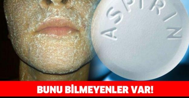 Sivilce ve siyah noktalara aspirin maskesi