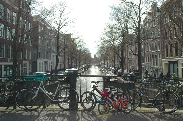 The Rosa Overbeekbrug (bridge nr. 121) is a bridge over the Bloemgracht in the Jordaan. It's also a place for young and old people to park their bikes.