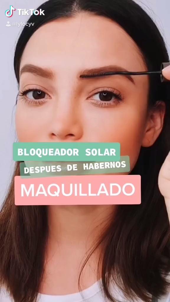 Como retocar el bloqueador solar despues de haberte maquillado, aqui una sencilla opción Beauty Skin, Beauty Makeup, Tips Belleza, Body Fitness, Skin Makeup, Makeup Looks, Beauty Hacks, Hair Care, Glow