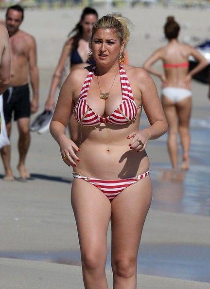 Josie Goldberg Hits The Beach | curves | Plus size model ...