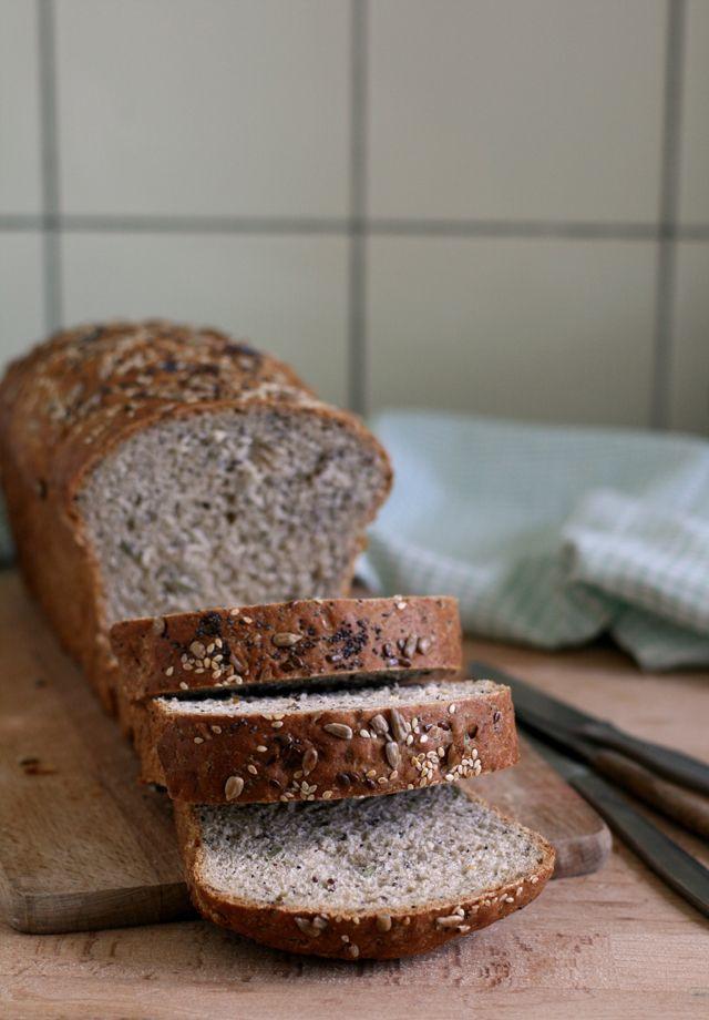 volkoren speltbrood met zaden en pitten